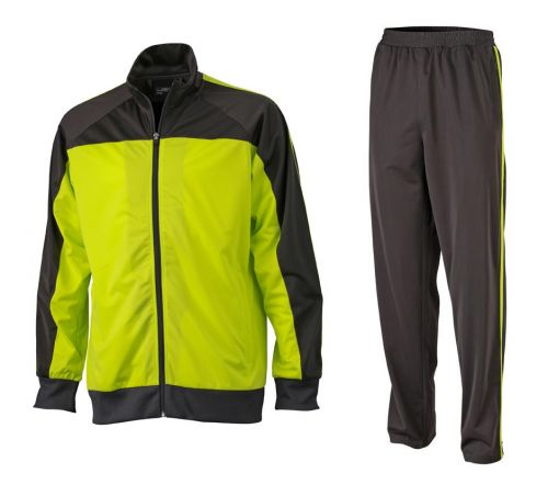 Trainingsanzug für Sport und Freizeit